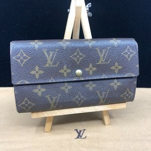 LV884 Monogram Canvas Sarah Wallet